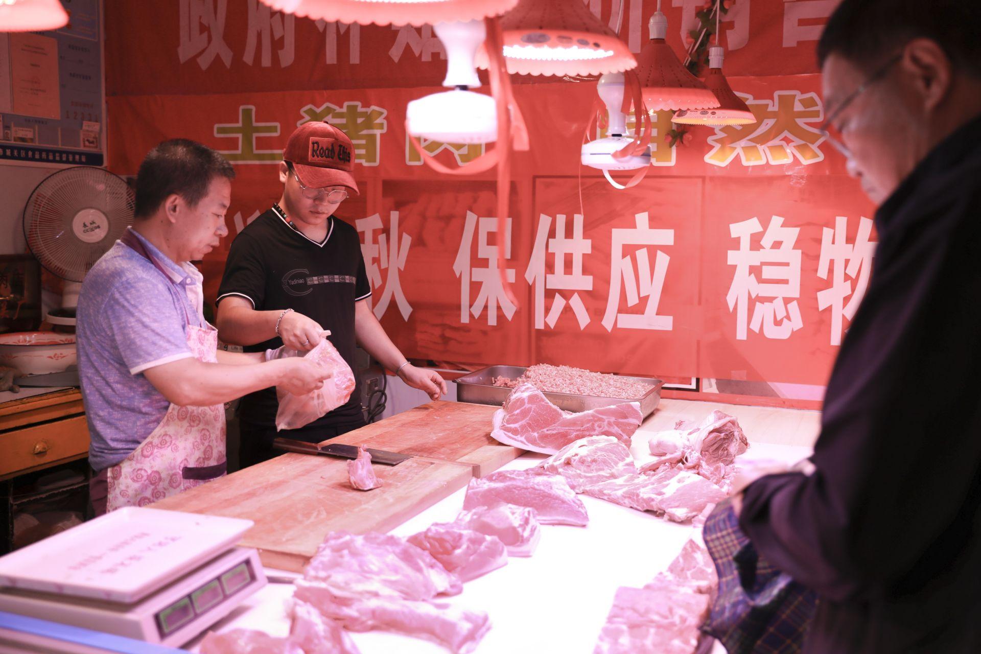 """兰州:16元每斤""""平价猪肉""""上市"""