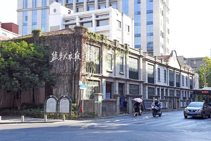 盐报集团大型融媒采访组首站走进汉口,探访新四军军部诞生地