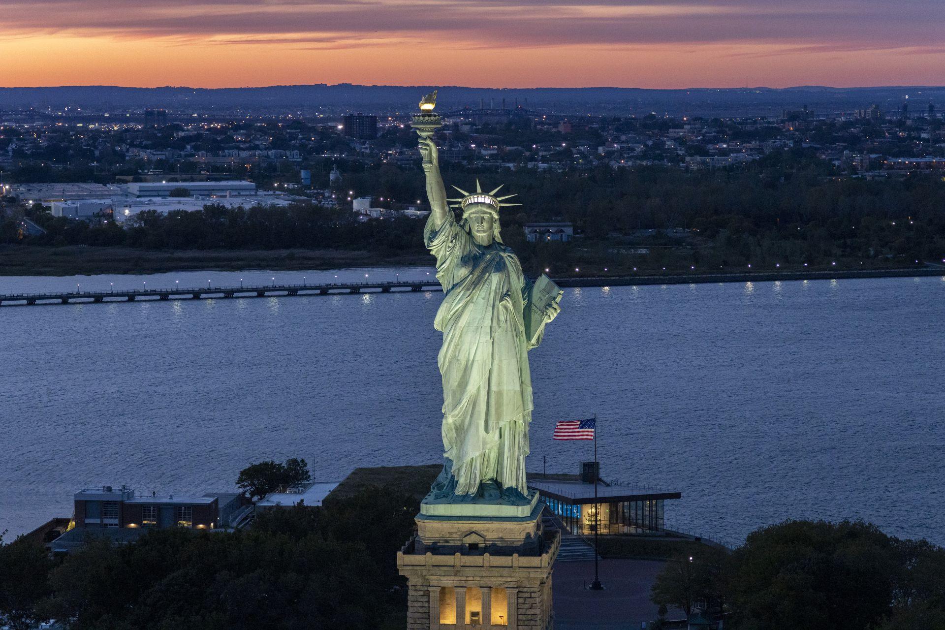 纽约苍穹下