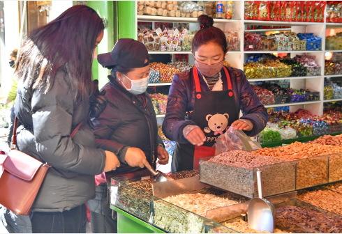 拉萨:就近购物迎藏历新年