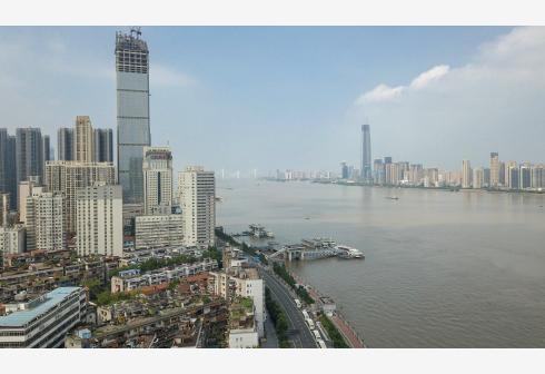 长江汉口站水位超过设防水位