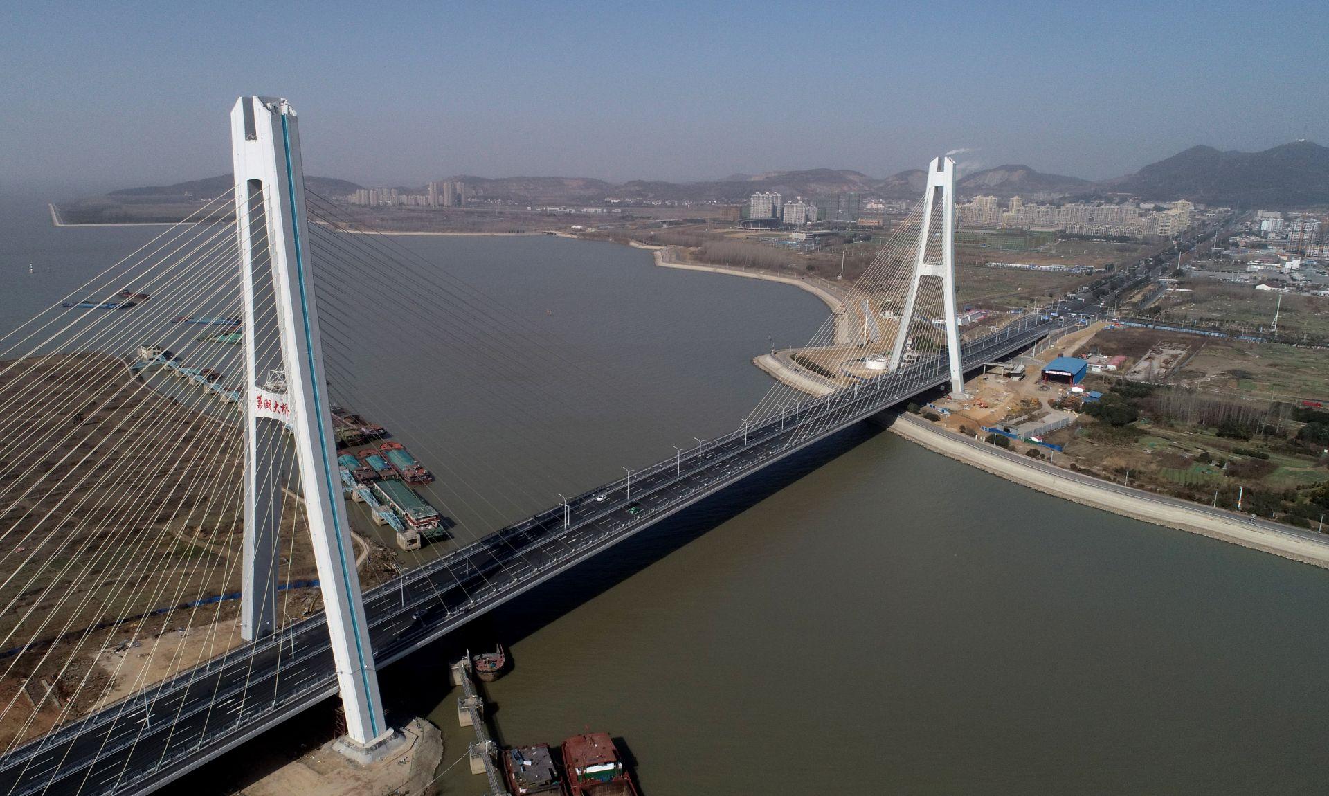 安徽巢湖大橋建成通車