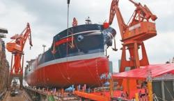 巨轮下水 船台退役