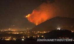 加拿大森林火灾肆虐情况危急 14000多居民被疏散