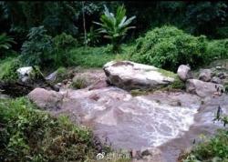 11名中国游客泰国清迈遇山洪,?26岁女子溺水身亡
