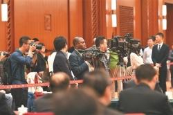 江苏代表团全体会议讨论十九大报告并向中外记者开放