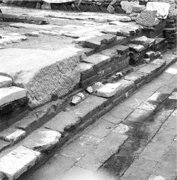 杭州千年古建遗存 遗址在政府大院内无延伸发掘条件