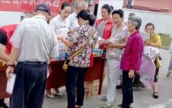"""阜宁县司法局""""法治进村居""""为重点村群众提供法律服务"""
