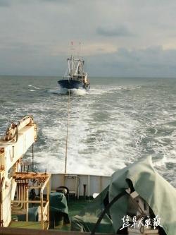 渔船主机故障海上漂流 渔政救援避免损失20多万元