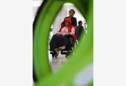 热门景区带火轮椅出租生意 方便的同时也存隐患