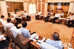 加快能源结构调整和产业转型升级 娄勤俭吴政隆会见国家能源局局长章建华