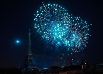 法国:烟花庆国庆