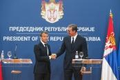 马克龙呼吁加快塞尔维亚加入欧盟进程