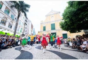 澳门国际青年舞蹈节举行巡游表演