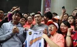 39岁刘炜正式宣布退役!新赛季CBA将担任上海男篮领队