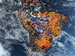 亞馬遜雨林的沖天烈焰,從太空都能看得到