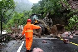 """台风""""利奇马""""已致32人死亡 16人失踪"""