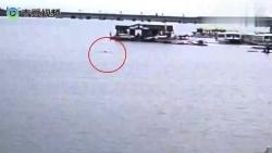 男子下水捞鱼竿不幸溺亡 监控拍下痛心一幕