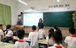 """辽宁一位教师数百封信笺往来传递""""爱的教育"""""""