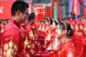 安徽:工地上的集体婚礼