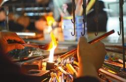 """阜宁益林一玻璃加工厂推陈出新变""""网红""""——传统玻璃工艺,创新中涅槃重生"""