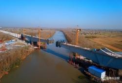 盐通铁路跨通榆河特大桥627号主墩挂篮边跨合拢