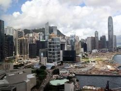 疑被暴徒擊中頭部的香港男子死亡,港府對暴徒惡行表示憤慨