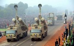 """印度成功试射""""布拉莫斯""""地对地超音速巡航导弹"""