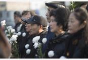 南京群众祭奠南京大屠杀遇难同胞