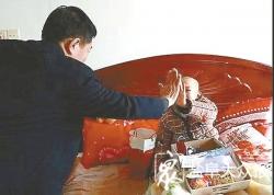 8岁男童小耀楠突患重病 学校师生捐款19万余元救急