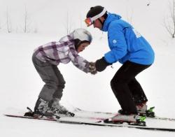 中国游客热衷冰雪运动体验带动芬兰旅游业增长