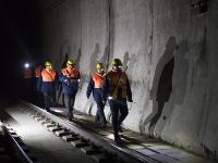 寒夜中的鐵路通信工