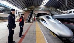 """北京:铁路公安""""防疫""""忙"""