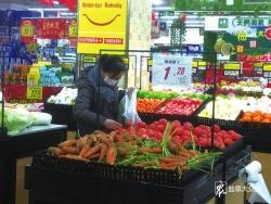 """每天千余噸蔬菜進入市場 我市""""菜籃子""""供應足價格穩中趨降"""