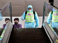 山西太原:机场加强防控 保障旅客出行安全
