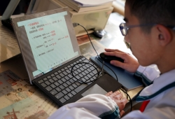 教育部:要高度重視學生長期居家學習等對視力影響
