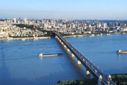 8日零时起,武汉长江大桥、江汉桥恢复单双号通行