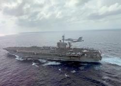 """美军核动力航母""""求救"""",会否成为疫情下一个""""爆点""""?"""