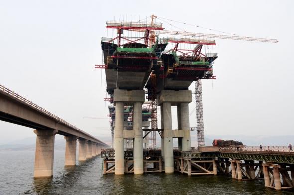 渑垣黄河特大桥加紧建设