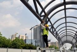 解放路BRT站臺改造出新加快推進 多舉措降噪減少施工擾民