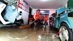 市区强降雨致多处积水14支抢险队连夜排水 内河水位已降至正常