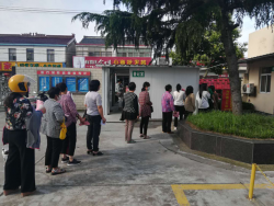大丰区刘庄镇卫生院端午节弃休忙体检