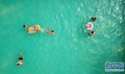 注意!暑期游泳儿童若发现同伴溺水,不要自行下水救助