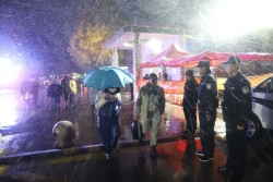 雪天路滑 三倉鎮民警為學生平安保駕護航