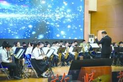 市敬賢路實驗小學舉辦2021新年音樂會