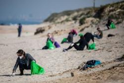 污染以色列海岸的沥青已漂至黎巴嫩