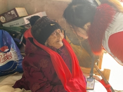 阜宁县居家养老服务中心 为空巢五保老人送温暖