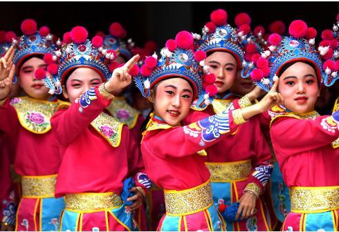 戏曲韵律操 传承传统文化
