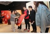 """上海:社区青年迎""""五四"""""""