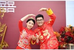 """""""零彩礼""""集体婚礼引领婚俗新风尚"""